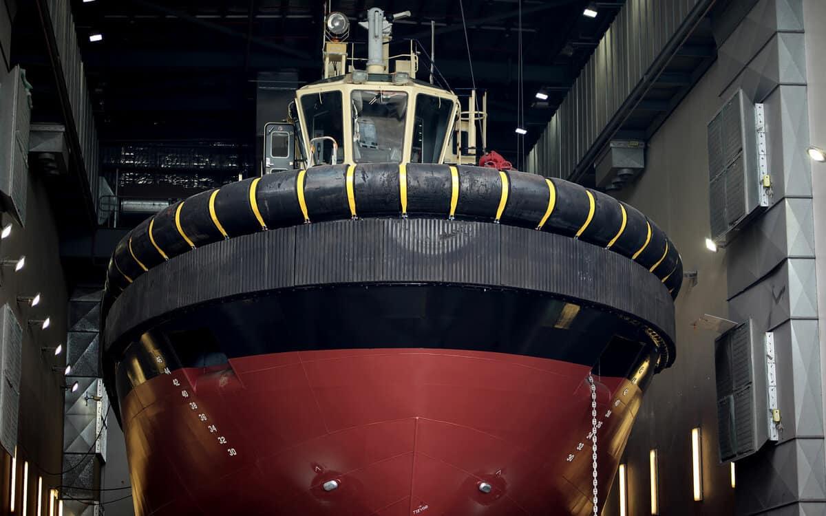 Major docking on tug 'PB Plenty'